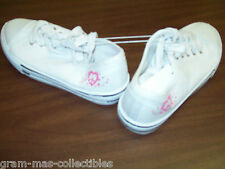 GIRLS WHITE TENNIS SHOES LACES HAS A PINK HEART AND STARS ON ONE SIDE