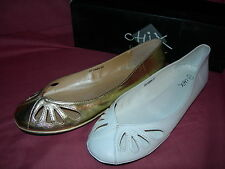 Ladies Girls Shoes Summer Soft Feel Flat White or Gold 20 5584 Sizes 3-8