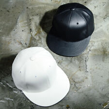 ByTheR 6-Panel Leather Snapback Basic Black White Hat SFSELFAA0019119
