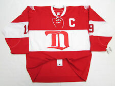 YZERMAN DETROIT RED WINGS 2014 NHL WINTER CLASSIC ALUMNI GAME CCM 6100 JERSEY