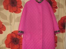 Ladies vintage retro quilted dressing gown. Full length. .