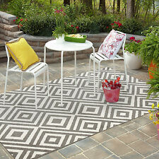 Popular Indoor / Outdoor Modern Matrix Rug. 4 colours & 3 sizes to choose from.
