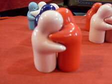 SALT AND PEPPER POTS LOVERS HUGGING 10 DIFFRENT COLOURS TO CHOOSE FROM BRAND NEW