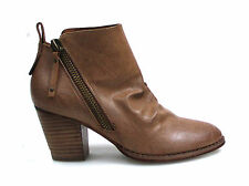 THERAPY WOMENS DALLAS TAN SIDE ZIP BOOTS WITH TAB AT BACK