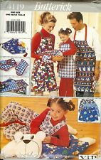 Butterick 4119 Aprons Gift Package VIP Mitts Placemats Christmas pattern UNCUT