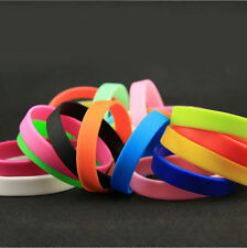 1Pcs Glow in the Dark  Attractive Luminous Silicone Rubber Wristband Bracelet