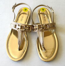 NEW BANDOLINO Flexible NONNIE Beige/Gold Snake Print Ankle Strap Thong Sandals 9