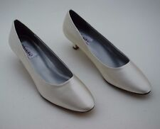 Ivory Bridal Pumps, Mother of the Bride Shoes, Mother of the Groom, Dyeables