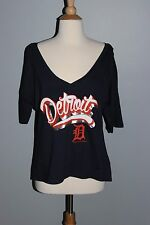 NEW Ladies DETROIT TIGERS Slouchy T-Shirt Size LARGE Baseball V-Neck Loose Crop