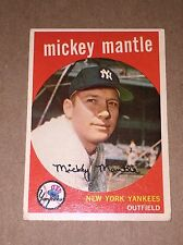 1959 Topps Baseball Card - Mickey Mantle #10 White Back New York Yankees