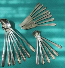 1937 Memory Pattern  Indvigual Butter Knives By Wm Rogers Silver Plate