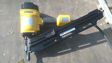 FRAMING NAILER FULL HEAD, WITH CARRY CASE,COMES WITH 1,000 NAILS one lef bargain