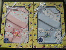 HAT/BIB/MITTS/BOOTIES NEW BORN BABY 4 PIECE GIFT SET 0-3 MONTHS GIFT BABY SHOWER