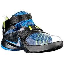 Nike Soldier IX - Boys' Primary Sch. Basketball Shoes (WT/Metallic Silver/Photo