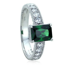 Women 8.5 mm 14K White Gold 1.5 ct Simulated Emerald CZ Wedding Engagement Ring