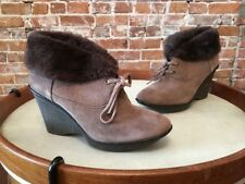 B Makowsky Nellie Brown Suede Oxford Wedge Boot Booties New