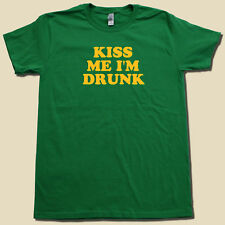 """KISS ME I'M DRUNK"" Cool IRISH Beer Drinking Party Goer Super Soft-Graphic Tee!"