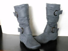 Girls 2 Buckle Winter Boots Slouchy Faux SuedeGray Super Cute Size 9-4