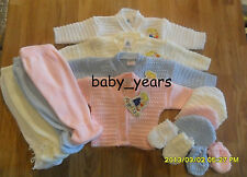 BABY BOYS GIRLS KNITTED PRAM SET 4 PIECE GIFT JACKET PANTS HAT MITTENS PINK BLUE