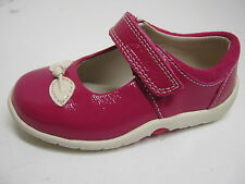 CLARKS INFANT GIRLS BERRY PATENT SHOE  SOFTLY BOW