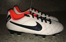 NEW Youth 1 2 NIKE Tiempo Natural IV FG White Black Soccer Cleats Boys Girls