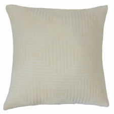 The Pillow Collection Yavesly Solid Velvet Throw Pillow
