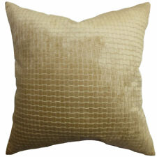 The Pillow Collection Brielle Solid Velvet Throw Pillow