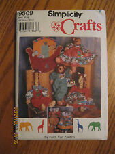 NEW/UNCUT-Simplicity CRAFTS #9509,Giraffe,Elephant,Lion,Clothes, Ark Wallhanging