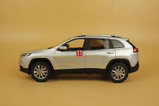 1/18 new Jeep Cherokee diecast model car silver color