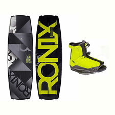 Ronix Vault Wakeboard With District Bindings 2017