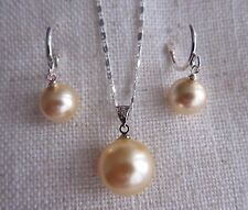 South Sea Shell Pearl Necklace Pendant & Matching Earrings - Set. Yellow or Red