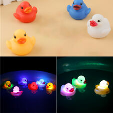 Toy Duck Baby Bath Toy Auto Color Changing LED Lamp Light Vinyl Toys Teether New