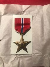 VINTAGE 1945 AMERICAN EMBLEM COMPANY WWII US BRONZE STAR MEDAL IN BOX