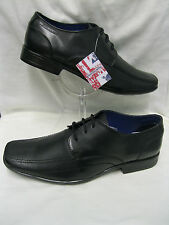 Mens Lambretta 20303 Black leather lace up Square toed shoes.