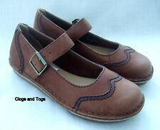NEW CLARKS ORIGINALS PEPPI NABOO BROWN LEATHER SHOES
