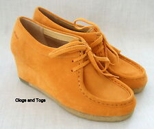NEW CLARKS ORIGINALS YARRA BEE APRICOT SUEDE WEDGE SHOES SIZE 5 / 38
