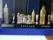 METALIC TABLE PEN HOLDER, BIGBEN,ROYAL GUARD, TOWER BRIDGE, LONDON SOUVENIR GIFT