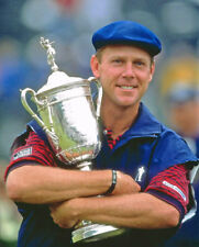 Golf Payne Stewart with the 1999 US open trophy Photo Picture Print