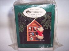 "NEW 1995 Hallmark Keepsake Ornament Collector's Club ""Collecting Memories"""