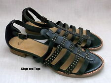 NEW CLARKS SOFTWEAR WOMENS BLACK STUDDED LEATHER SANDALS SIZE 5 / 38