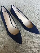 Nine West Navy Suede Style Small Heels Size 6M As New