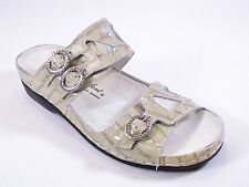 HELLE COMFORT TOTA WOMENS TAUPE CROCO PATENT LEATHER COMFORT SANDAL  MSRP $179