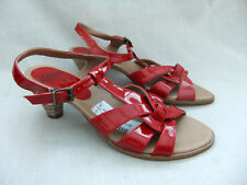 NEW CLARKS SAVANNAH WOMENS RED PATENT SANDALS SIZE 5 / 38