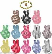 POLKADOT FINGER HAND N7 PEACE IRON-ON CUSTOM CRAFT PARTY DANCE FANCY DRESS PATCH