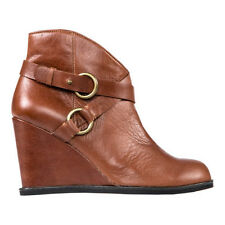 ME TOO BREANNA PLATFORM COMFORTABLE WEDGE ANKLE BOOTIE IN SOFT COGNAC LEATHER