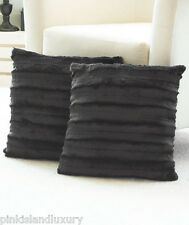 2 LUXURIOUS MINK SOFT ARTIC FAUX FUR & FLEECE DECORATIVE PILLOWS BLANKET SOFA TV