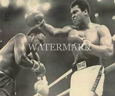 Muhammad Ali Missed Punch at Smokin Joe Frazier 8x10 11x14 Photo Boxing