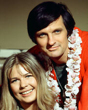 M.A.S.H. MASH COLOR ALAN ALDA SWIT PHOTO OR POSTER