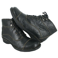 Clarks Women's Whistle August Lace Up Boots - New In Box