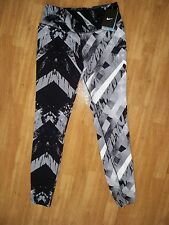 New with tag Nike Women Legendary Printed running training Tights 617795-016